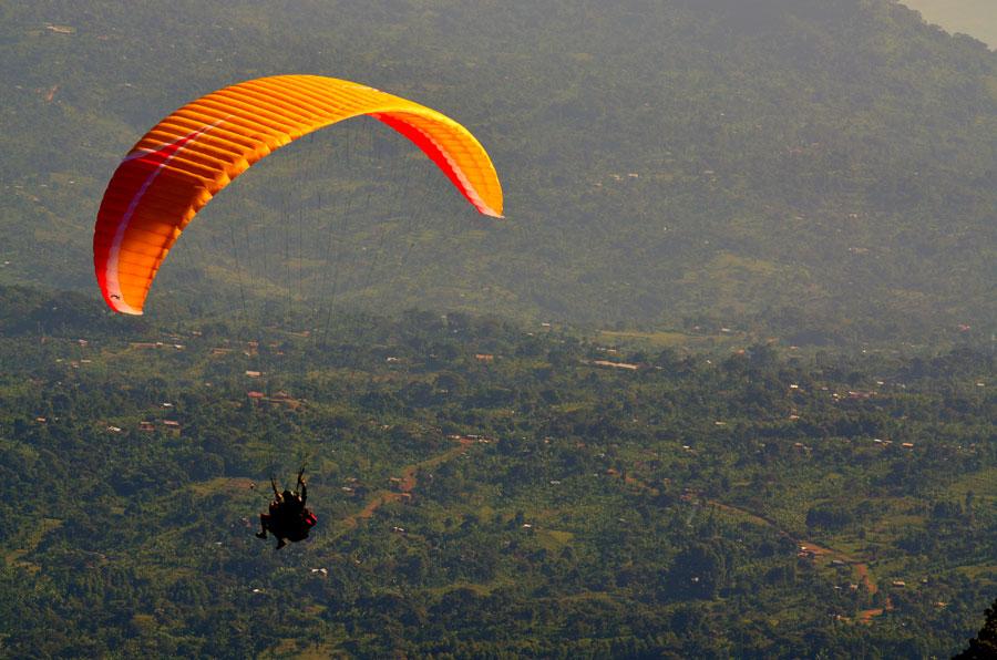 Paragliding Uganda - pic by The Eye