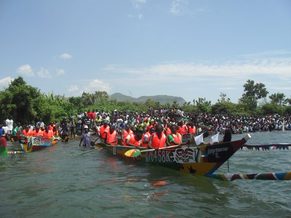 boats racing at Rusinga Festival